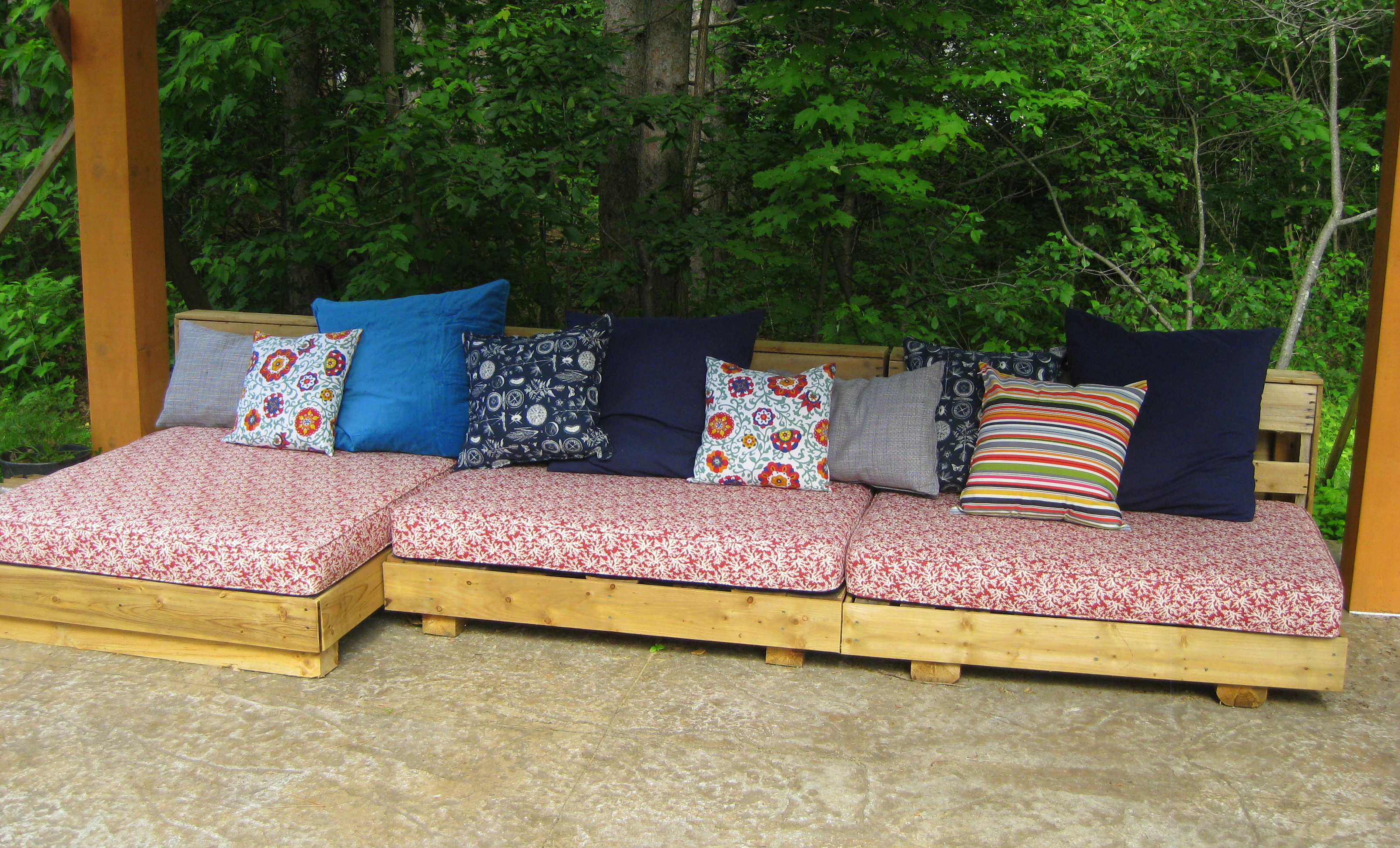 Bohemian Pallet Patio Couch The L Oven Life